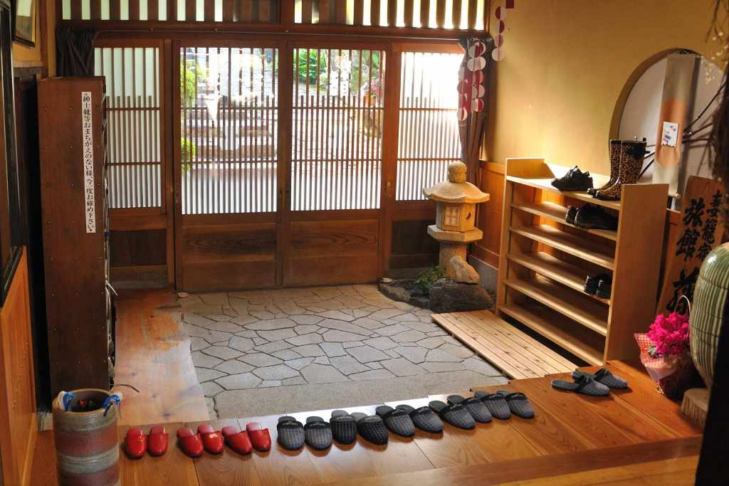 leave your shoes at the door to improve indoor air quality